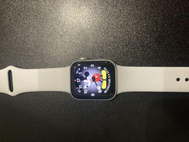 Часы Apple WATCH se