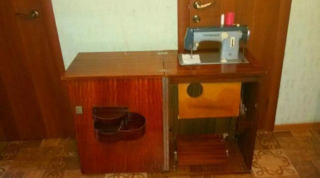 Продается ножная швейная машинка «Чайка-2»
