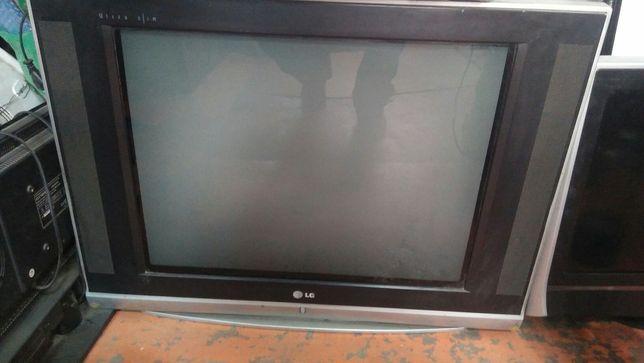 Продаю телевизор в отличном состоянии