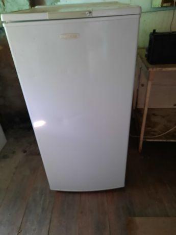 Холодильник в хорошем состояние