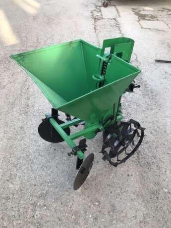 Masina de plantat cartofi pentru motocultor