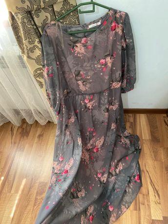 Продается красивое почти новое платье