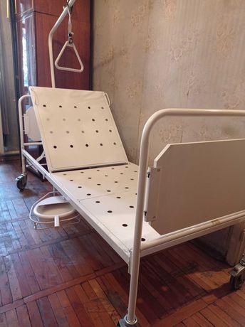 Кровать для инвалидов и лежачих больных.