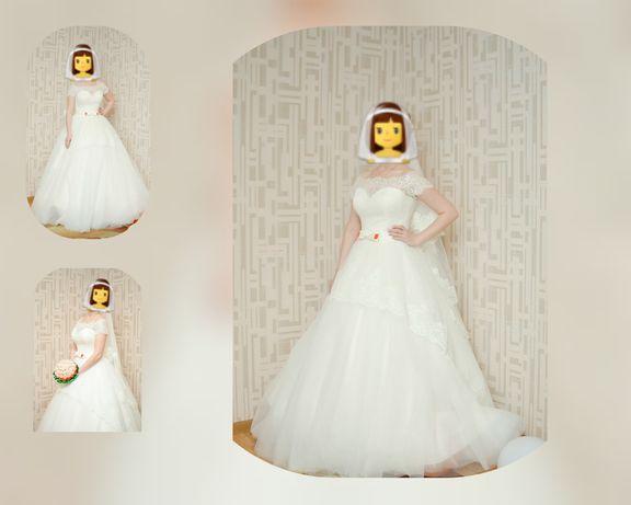 Продаю свадебное платье покупала в Emilia Sposa размер 44