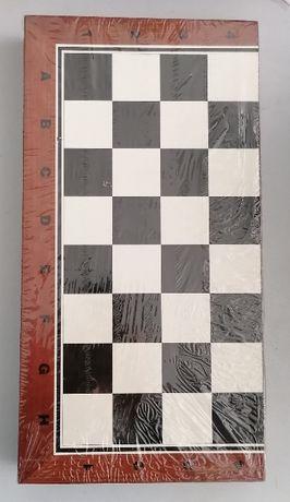 Класически дървен комплект за игра,шах и табла,38x38см