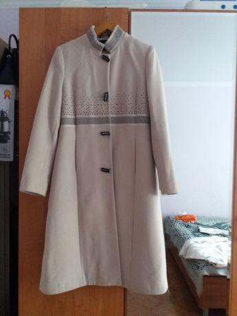 пальто женское в хорошем состояний
