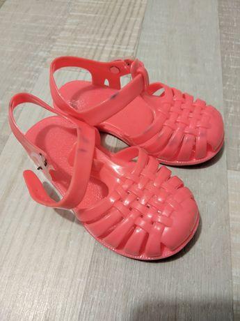 Продам сандали гелевые