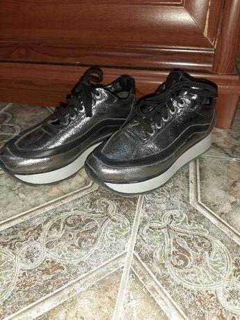 Обувь.Крассовка.