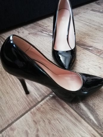 Pantofi stiletto