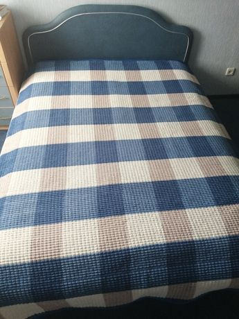 Продам кровать 160/200