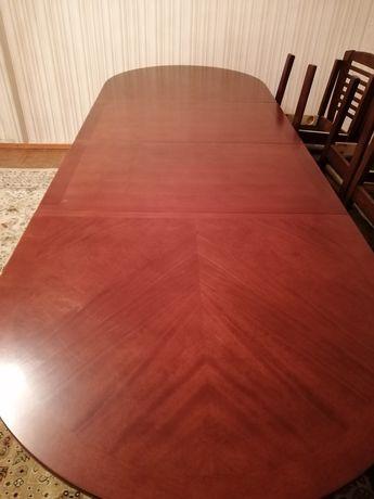 Стол большой для гостинной