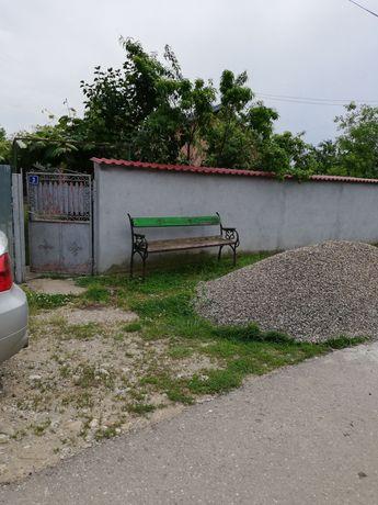 Casa si teren de vazare