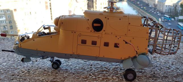 Vand macheta elicopterului de asalt MI 24V.