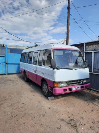 Автобус Kia Azia Combi