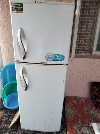 Холодильник сатылады.Качествасы бари жаксы запчаска жөндеуге болады.