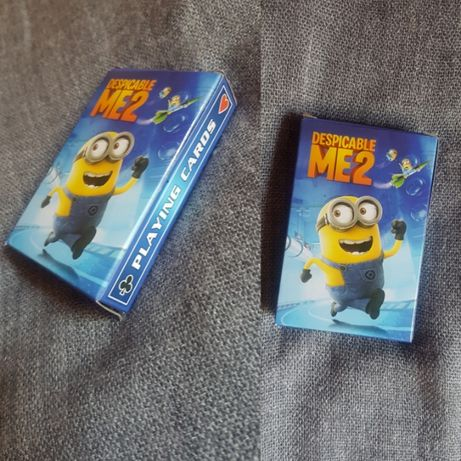 Vand carti de joc cu minioni