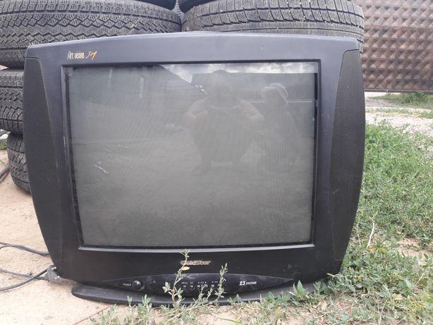 Телевизор б/у хорошем состоянии