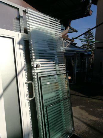 Стъклени врати с апарати