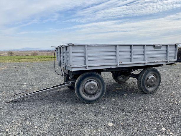 Remorca tractor basculabila