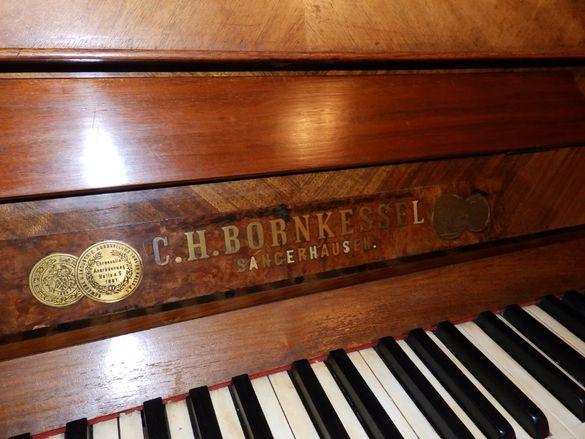 Много старо и запазено пиано C.H.BORNKESSEL