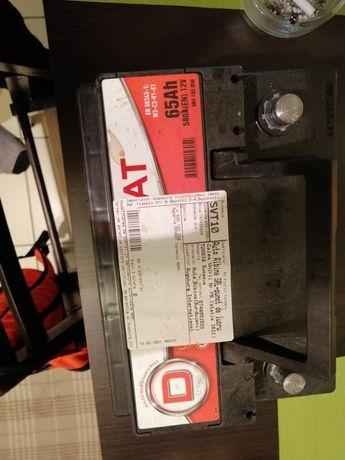 Vând Baterie 65 Ah