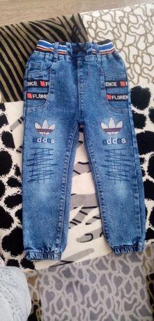 Детские  джинсы на мальчика
