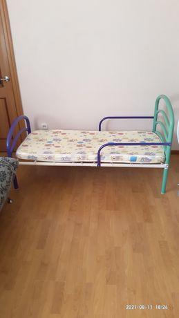 Детская кровать с матрасом 140*70 ( Корея ) и наматрасником ( белый)