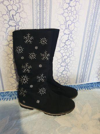 Продам зимние сапоги 40 размер