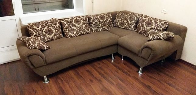 Угловой диван хорошее состояние