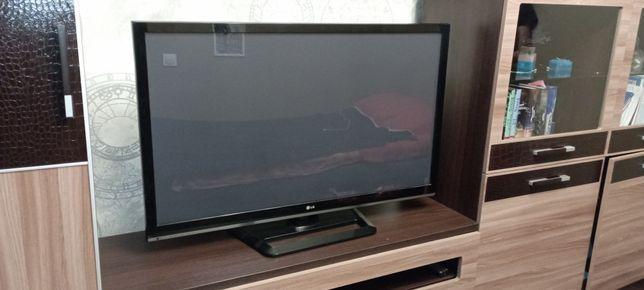 Продам телевизор 107 см в отличном состоянии