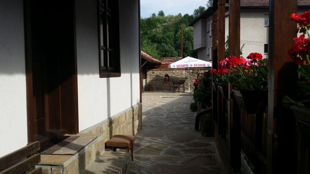 Къща под наем в старинния квартал на град Трявна