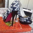 Елегантни дамски обувки с висок ток