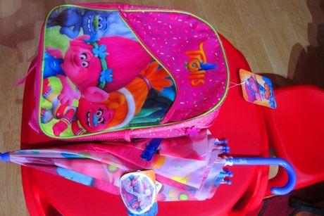 Ghiozdan,rucsac TROLI Poppy + umbrela asortata - noi eticheta