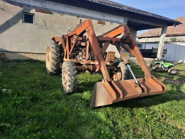 Vând Tractor Belarus Mtz cu încărcător frontal