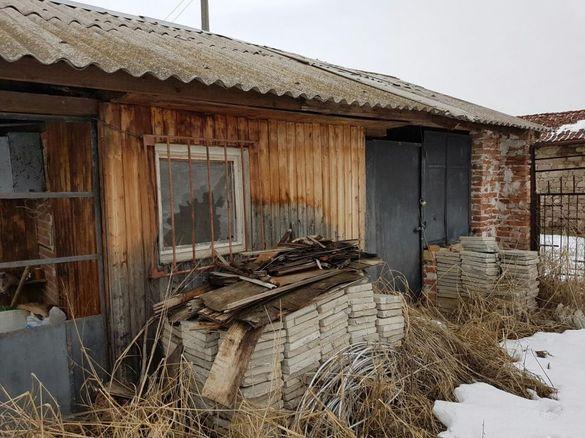 Продавам вила с оранжерии в с. Тракиец Хасковско