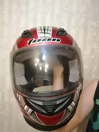 Шлем новый для мотоциклиста