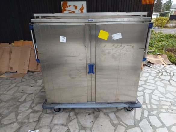 Мобилен термо шкаф за 32 тави Бланко