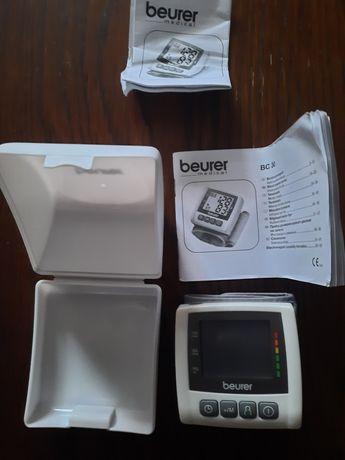 Tensiometru de mana Beuer nou , baterii incluse 2 AAA .