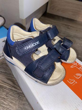 Детские сандали Geox