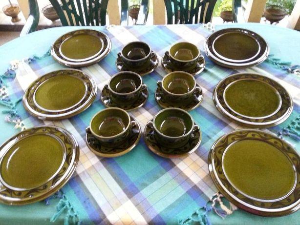 Serviciu rustic de masa din ceramica verde 6 persoane