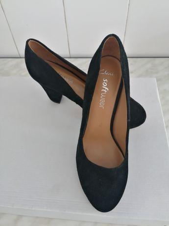 Pantofi piele întoarsă Clarks