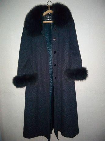 Пальто новое натуральный мех