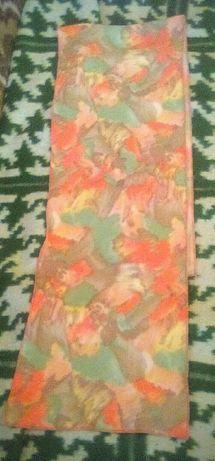 Продавам шал дамски мно приятни тонове