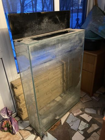 Продаю аквариум большой