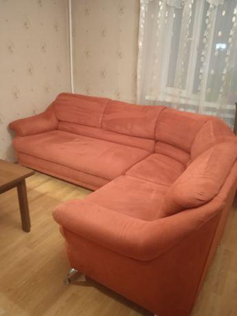 Продам уголок и кресло