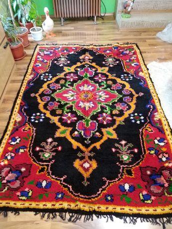 нови,тъкани килими и китеници