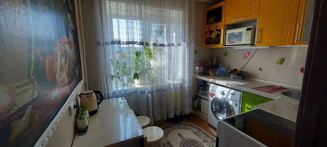 Продам  3-х комнатную квартиру,по улице Женис 13,за 12мил.,на 4 этаже.