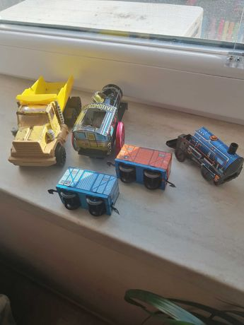 Камионче, локомотив и вагончета