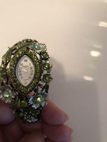 Продам Часы- браслет