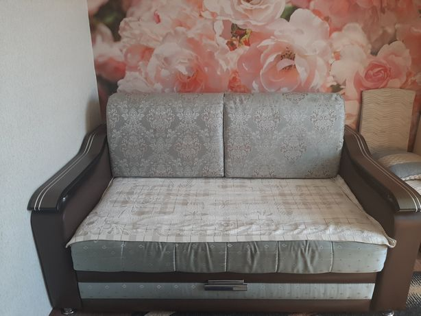 Продам мини диван.